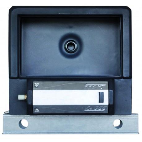 Abreuvoir Polybac 25 M* simple avec rebord intérieur et support de fixation
